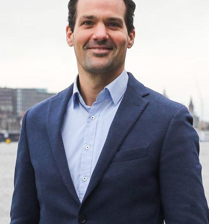 Portretfoto van financieel directeur Bas de Bouter